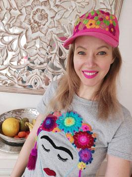 T-Shirt (grau2) Größe M: mit Frida Motiv und Blumenstickerei, Bommel lila