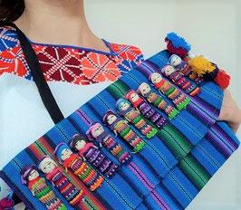 Boho Clutch / Abendtasche / Schultertasche mit Püppchen aus Mexiko