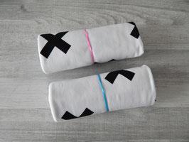 Stoffcoupon Kreuze weiß/schwarz