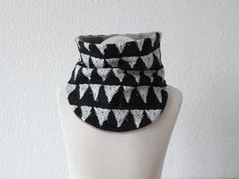 Halssocke Triangle schwarz-weiß