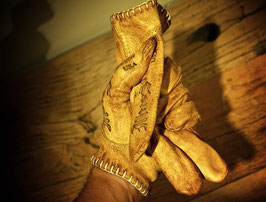 "Bronce ""Shanks"" Gloves"