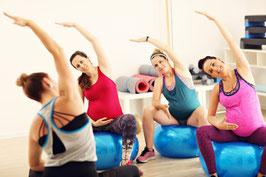 Aktiv durch die Schwangerschaft (Schwangerschaftsgymnastik)