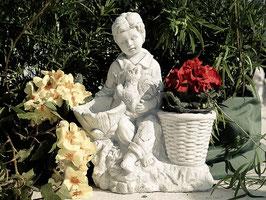 Junge mit Blumentopf und Eichhörnchen - Art. 533