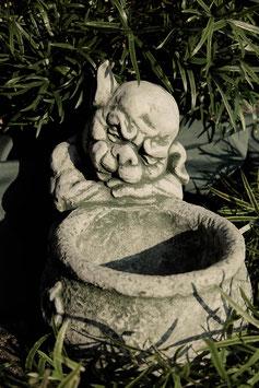 Gargoyl mit Blumentopf - Art. 582