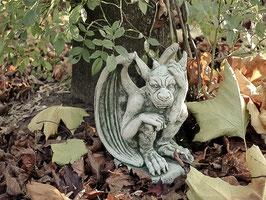 Gargoyl mit Hand am Kopf - Art. 583