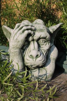 Gargoyl mit Hand am Kopf - Art. 482