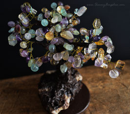 Денежное дерево с бусинами аметрина, цитрина и оливина.