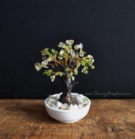 Денежное дерево с бусинами цитрина и оливина.