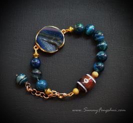 3-глазый Дзи тибетский, океанический агат, кабошон агата с друзой кварца.