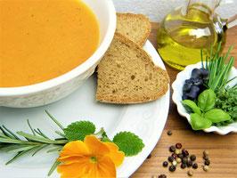 Kastanien-Linsen-Curry-Suppe