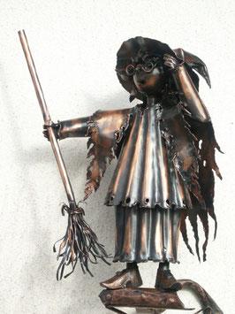 Hexe aus Kupfer für die Dachrinne
