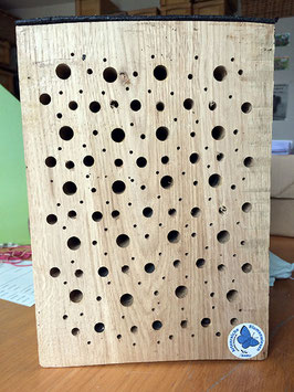 Nistholz für Wildbienen