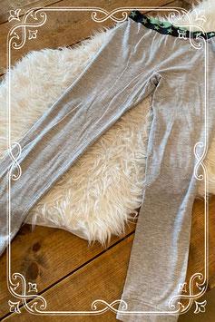 Grijze pyjamabroek van de Hema - maat 146-152