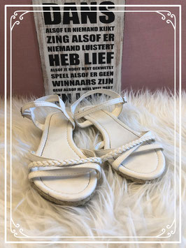Witte sandaaltjes van REDOUTE - Maat 35