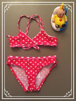 Rode bikini met witte hartjes - maat 86-92