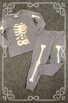 Grappige pyjama met botjes van Lupilu maat 98/104
