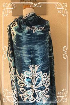 Nieuw! Grote blauwe sjaal met sierlijke patronen