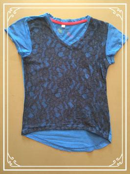 Donkerblauw T-shirt met voorkant in kant  - maat 134-140