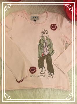 Lichtroze shirt met een meisje voorop van IKKS - Maat 102