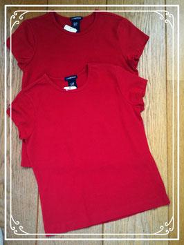 Twee nieuwe Bordeaux- rode T-shirts van GAP - maat 122
