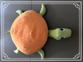 Schildpadknuffel in de kleuren oranje en groen
