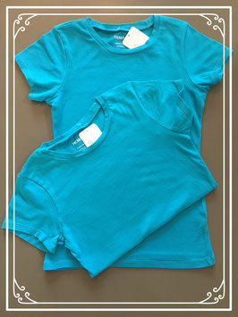Twee felblauwe T-shirts - maat 134