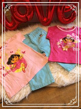 Driedelig setje met twee T-shirts - DORA - een broekje - BUMBA - maat 86-92