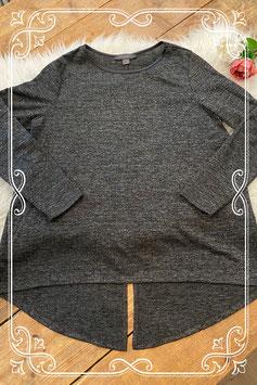 Een grijs shirt van de primark - maat 42/44