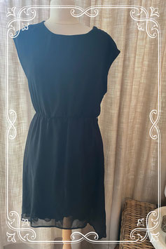 Zwart chiffon jurkje van het merk New Look - maat 40