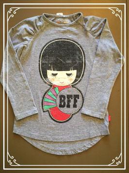 Grijs shirtje met Japanse opdruk van 'name it' - maat 110-116