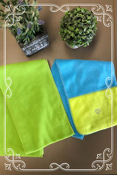 Groene en groen/blauwe sjaal van fleece stof - voor 3-7 jaar