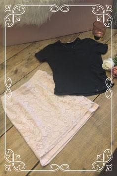 Blauw T-shirt met roze kanten rok van RM - Maat 140