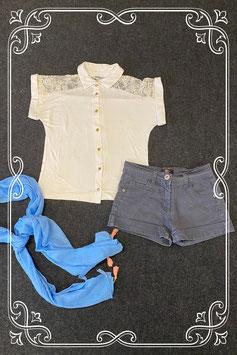 Korte zwarte broek van Soho en wit shirt van Generation maat 146 met blauw sjaaltje