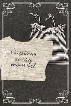 Grijs kort shirt van Jill en zwart wit gestreepte top maat 134/140