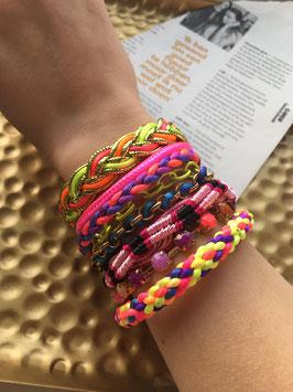 Brede armband gemaakt met 9 verschillende armbanden