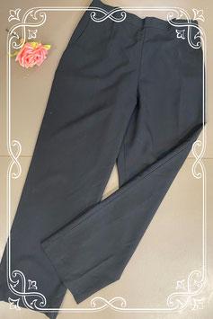 Mooie zwarte broek in maat 42