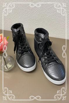 Nieuw! Sgoere zwarte sneakers maat 39