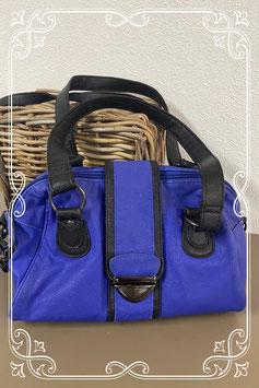 Blauw met zwarte handtas