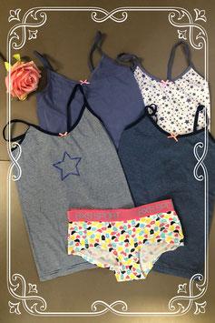 4 hemdjes van Hema en boxershort van BXS Girlswear maat 134/140