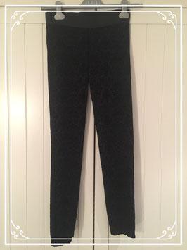 Zwarte elastische broek van Yessica - maat XS