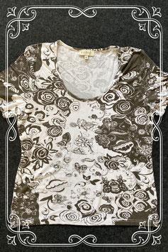 Wit met legergroen shirt van Vunic maat M