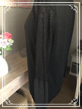 Zwart lange mouwen shirt met kanten mouwtjes van Love2Wait - Maat L