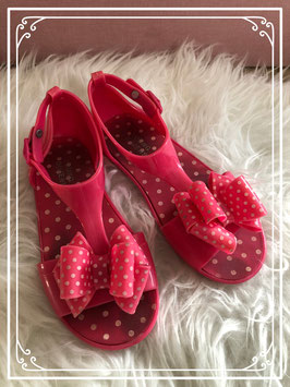 Roze sandaaltjes van Young Dimension maatje 30-31
