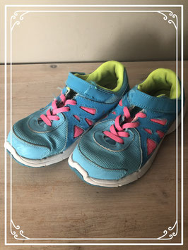 Aqua blauwe sneakers merk Nike - maat 34