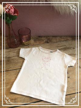 Lichtroze T-shirt met voorop hartjes - Maat 92/98