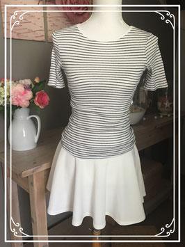 Complete set bestaande uit T-shirt gestreept en witte rok - Maat 34