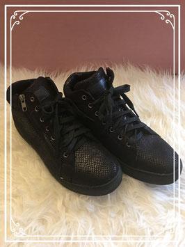 Stoere zwarte sneakers met schubbenprint van Blue Box - Maat 41