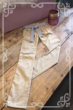 Beige broek met gestreepte ceintuur (merkloos) - Maat 140