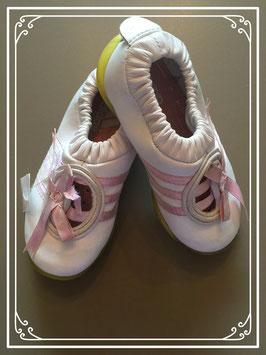 Adidas schoentjes - maat 23