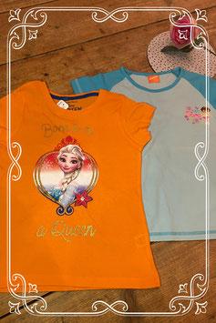Twee T-shirts Dora en Frozen van Nickelodeon en Disney - maat 128-134